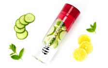 Twist-top fruit infusion water bottle from Acquablend
